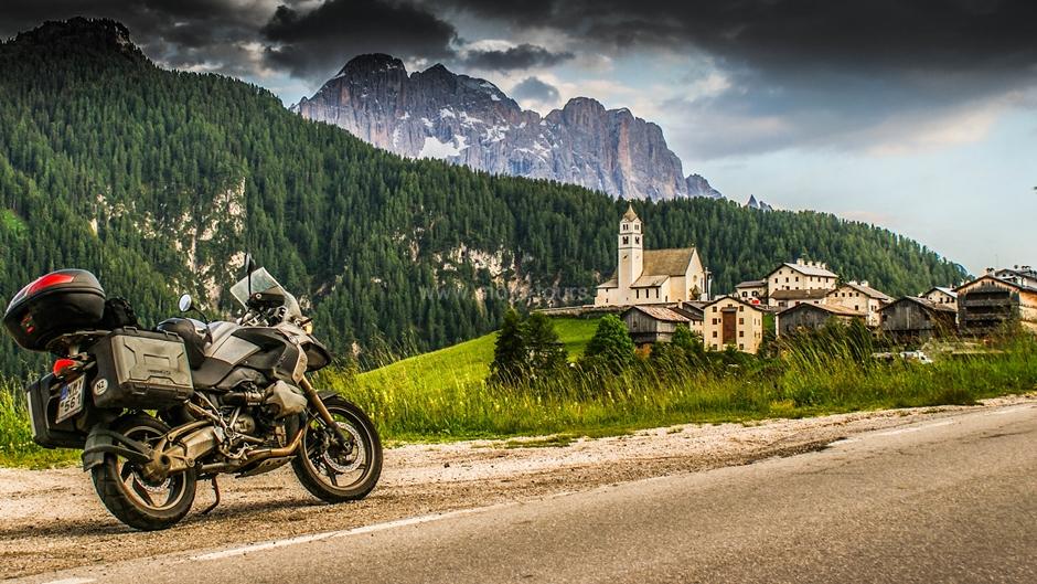 Ταξίδι στου Δολομίτες με μοτοσυκλέτα